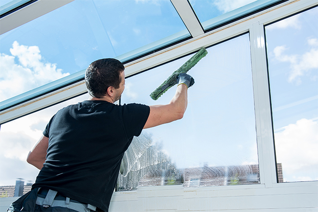 Residential Window cleaner Albany Creek